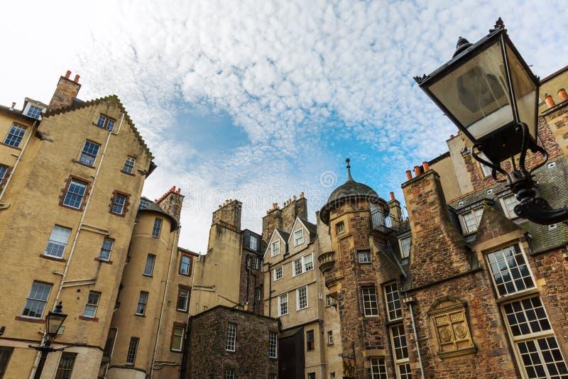 Здания на даме Лестнице Закрывать в Эдинбурге стоковое фото rf