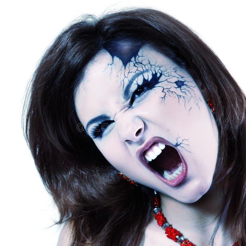 Злая женщина красивый хеллоуин вампира изолированный на белизне стоковые фотографии rf