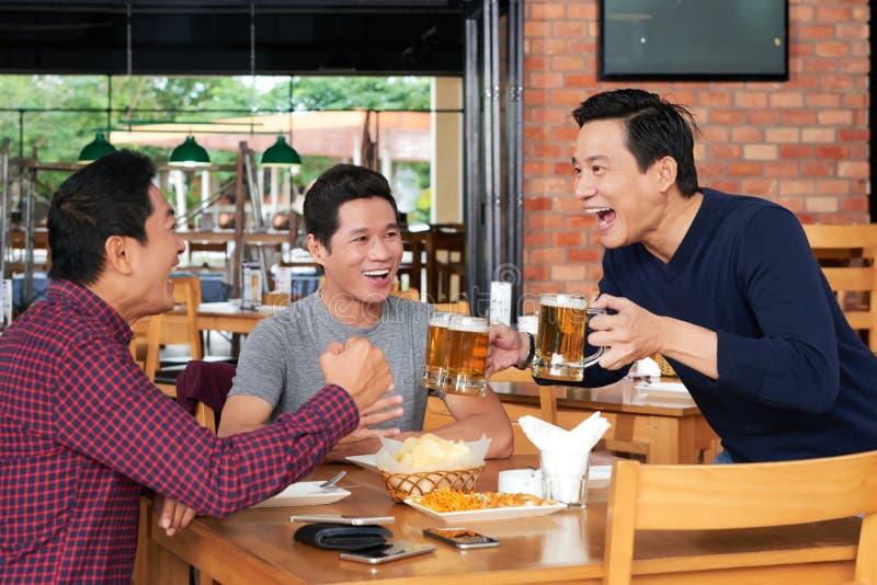 Здесь пиво стоковые фотографии rf
