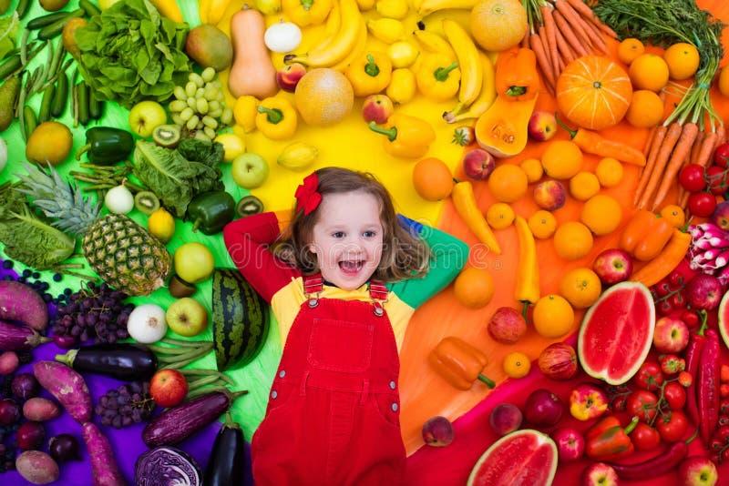 Здоровое питание фрукта и овоща для детей стоковые фотографии rf