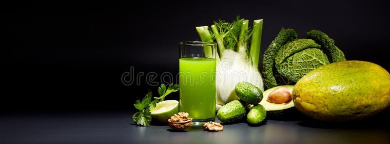 Здоровые vegetable соки для освежения стоковые фотографии rf