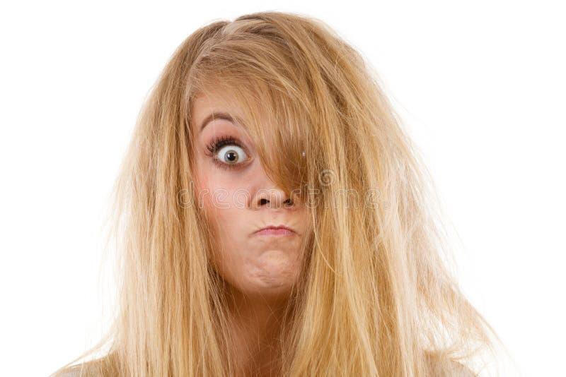 Злюще сумашедший сердитый белокурый крупный план женщины стоковое фото