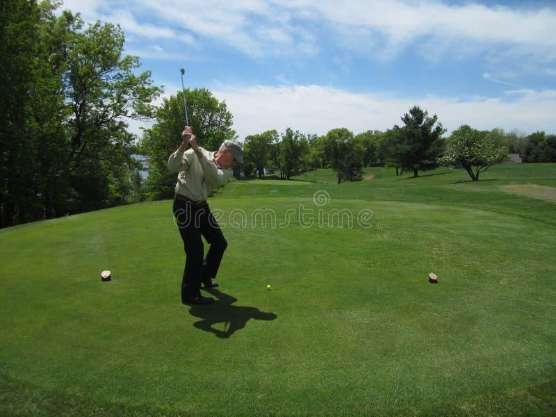 Играть в гольф стоковое изображение