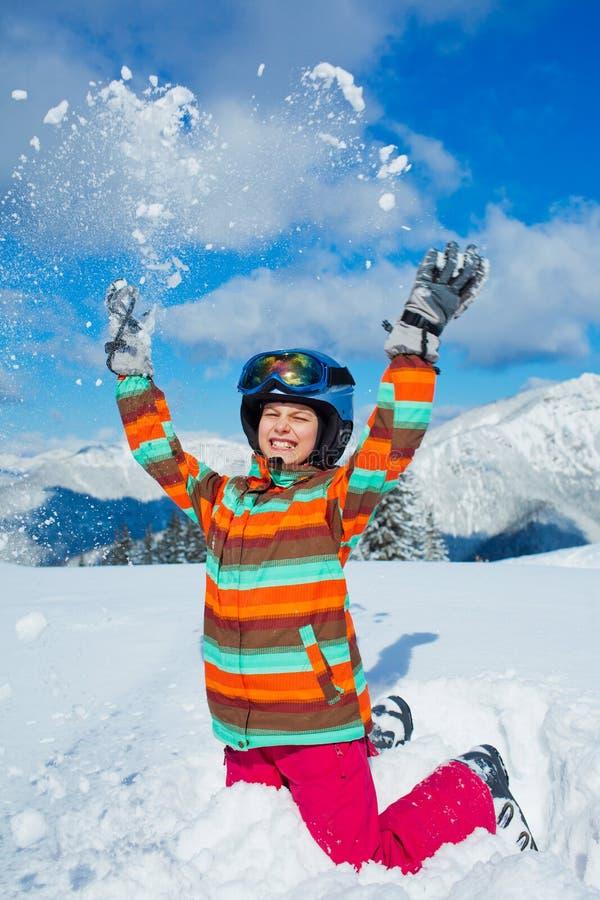 Играть в снеге стоковые изображения rf