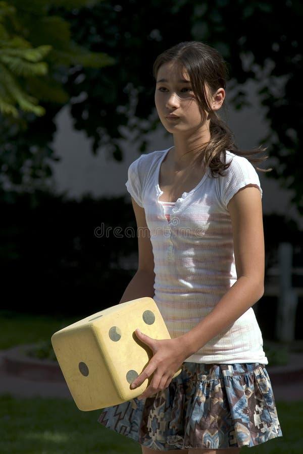 играть девушки внешний подростковый стоковая фотография rf