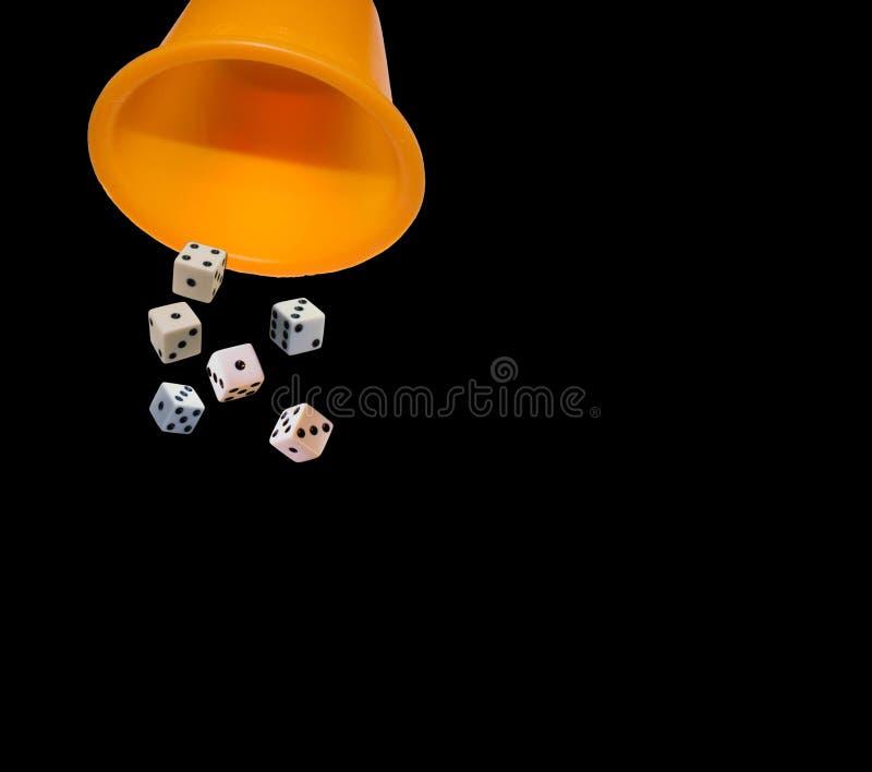 Играть кость кубов стоковая фотография