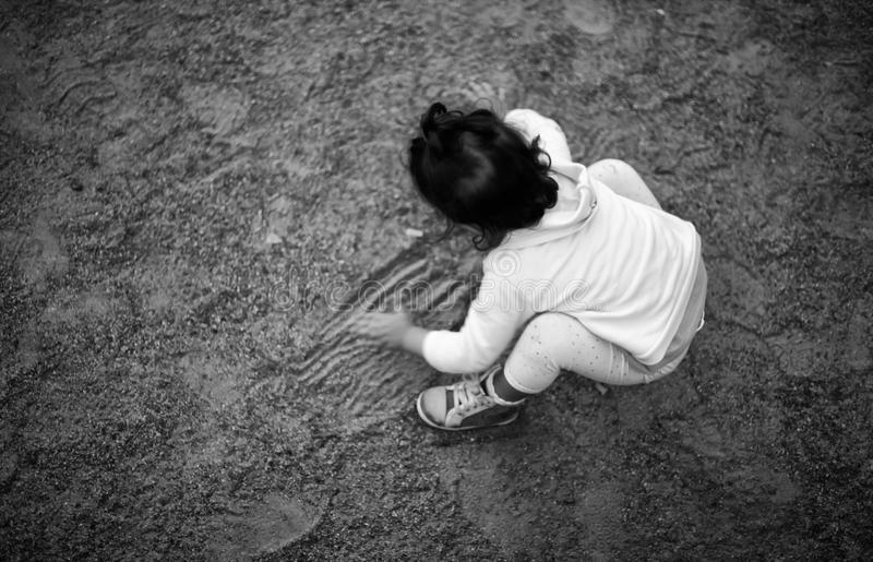 Играть на песке парка стоковое фото rf