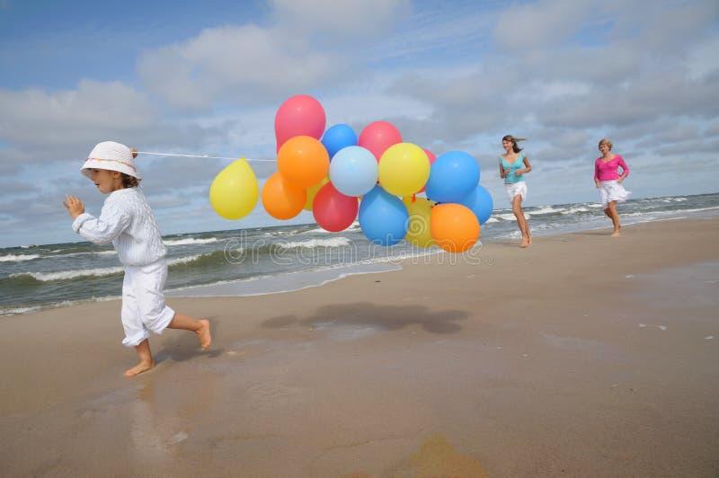 играть пляжа