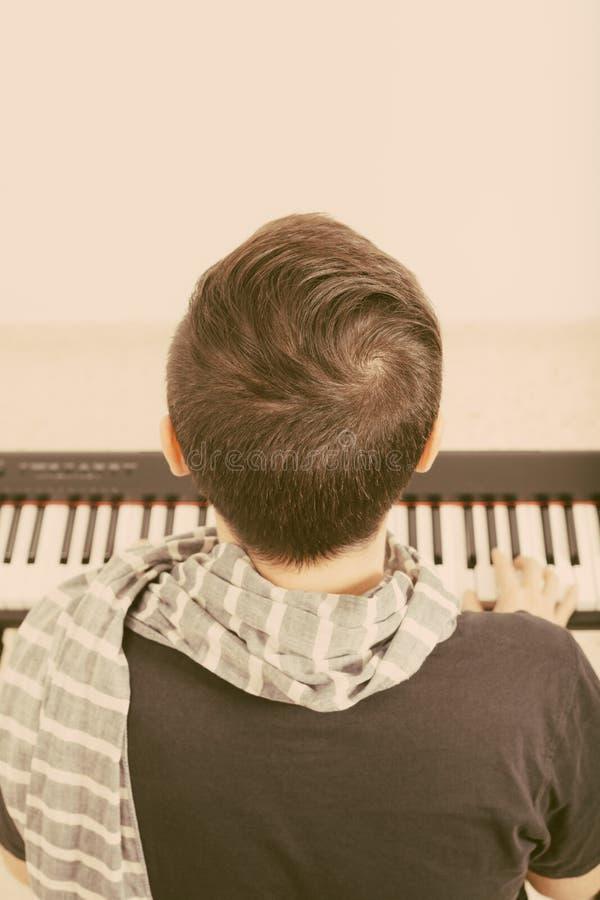 играть рояля стоковые фото