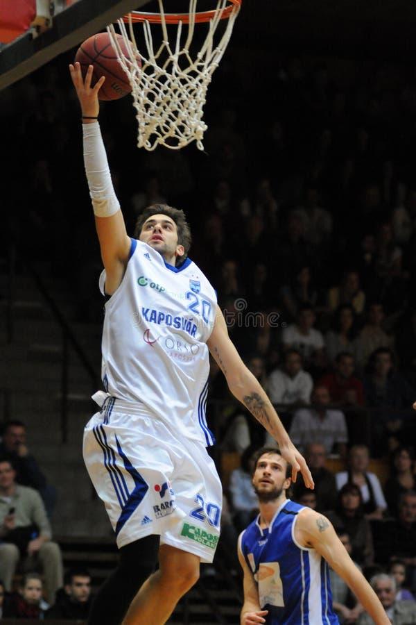 игра баскетбола dombovar kaposvar стоковое изображение