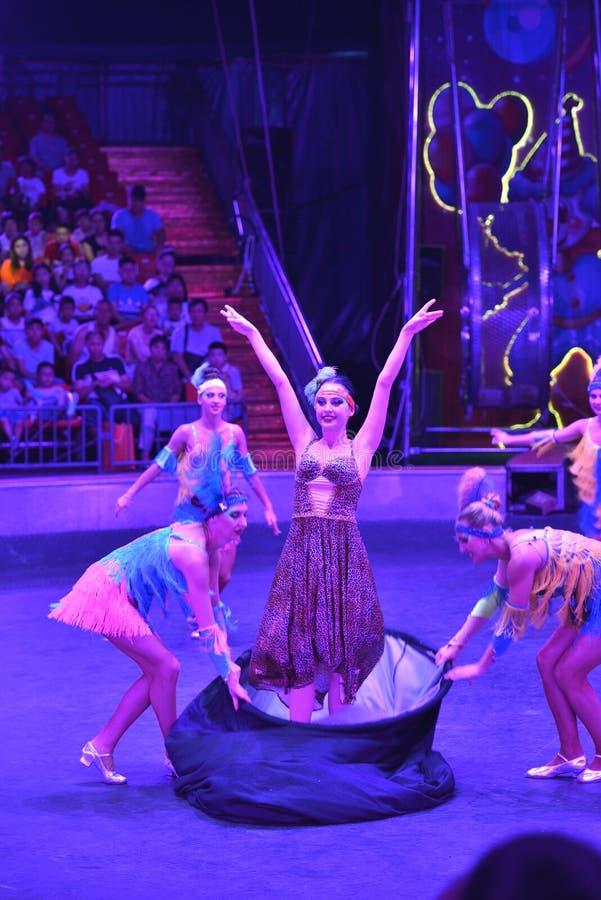 Игра волшебства выставки цирка Шанхая стоковая фотография