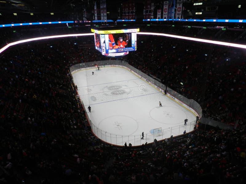 Игра МОНРЕАЛЯ, КАНАДЫ, канадских и американских NHL, разбивочный стадион колокола, национальная хоккейная лига, арена центра коло стоковые фото