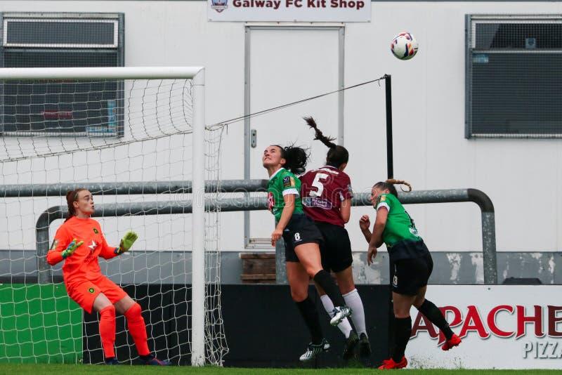 Игра национальной лиги женщин: Голуэй WFC против Peamount соединил стоковое изображение rf
