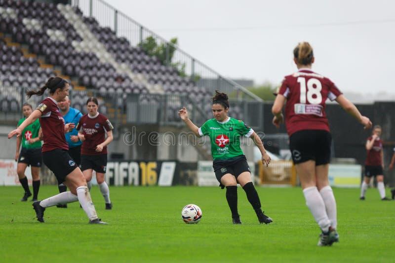 Игра национальной лиги женщин: Голуэй WFC против Peamount соединил стоковая фотография