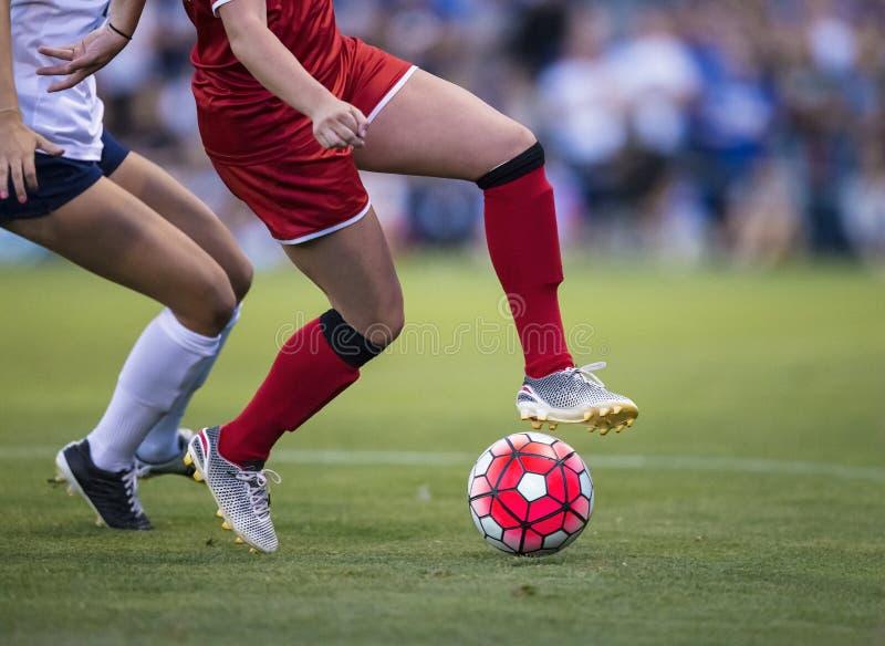 Игра футбола женщин стоковая фотография rf