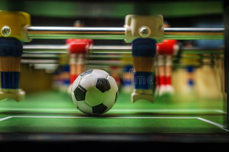 Игра Foosball столешницы стоковая фотография