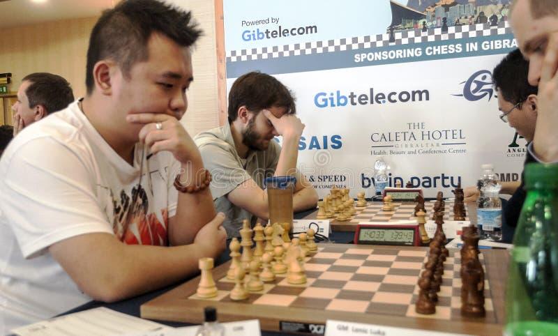 игроки 2 игры людей шахмат стоковое изображение rf