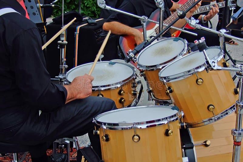 игрок барабанчика стоковая фотография rf