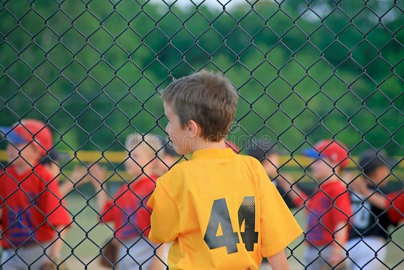 игрок бейсбола маленький стоковое изображение rf