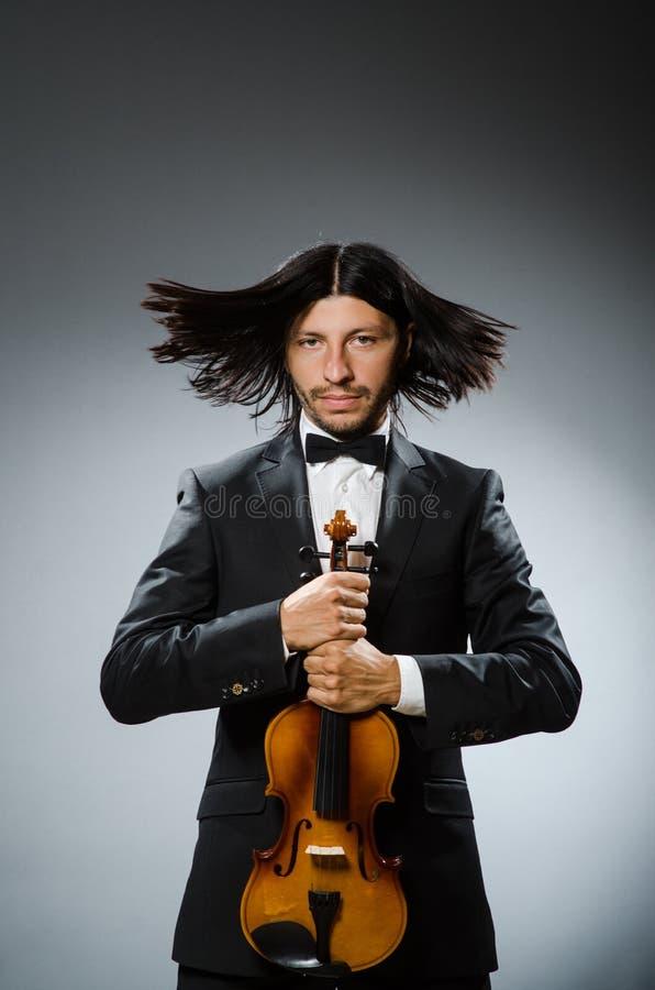 Игрок скрипки человека стоковые фото