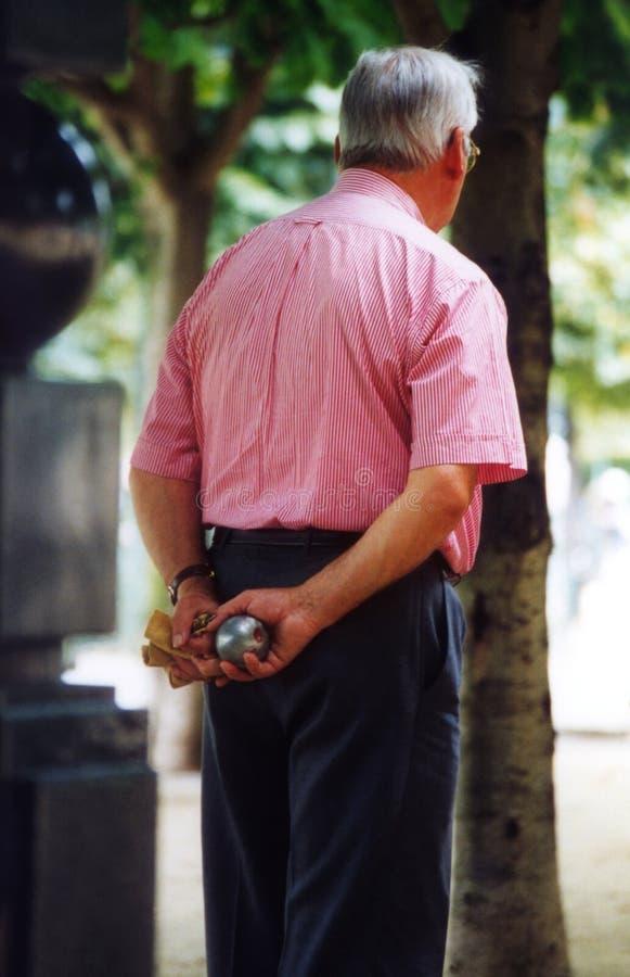 игрок boules стоковые фото