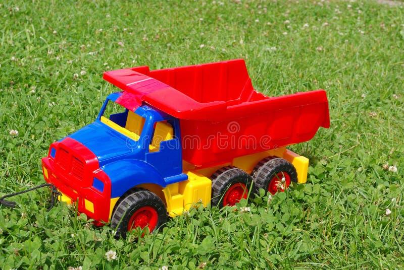 игрушка красного цвета грузовика стоковое изображение