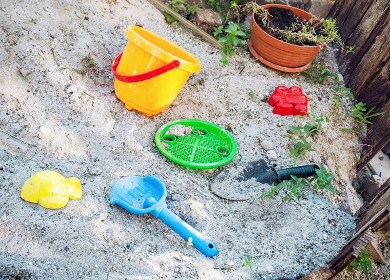 Игрушки песка, летние каникулы стоковое фото