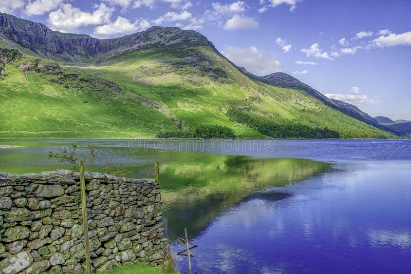 Идилличный ландшафт национального парка района озера, Cumbria, Великобритании стоковые изображения
