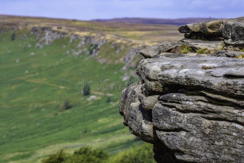 Идилличный ландшафт пикового национального парка района, Дербишира, Великобритании стоковая фотография