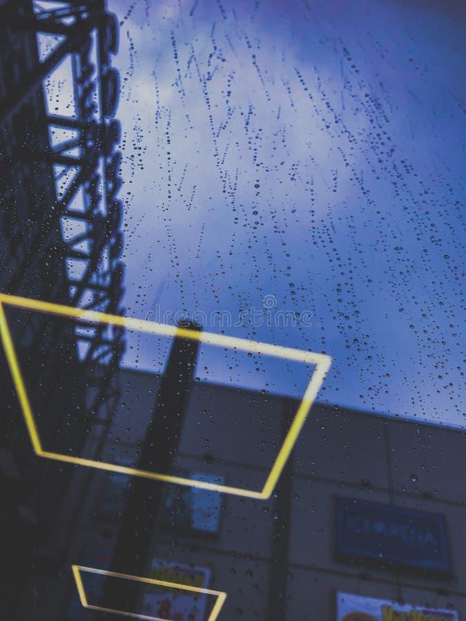 Идти дождь дождя стоковые изображения