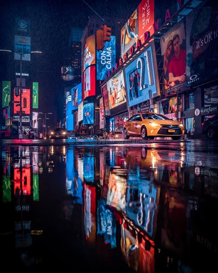 Идти дождь квадрат времени временами стоковое фото