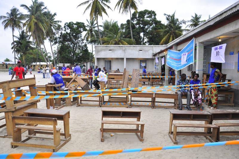 избирательный участок 2011 Др. избрания Конго стоковые фотографии rf