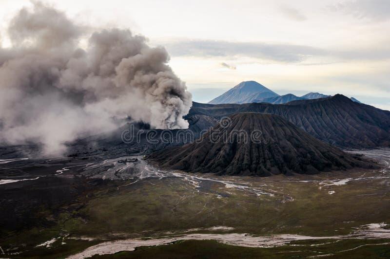 Извержение вулкана Bromo, East Java стоковое изображение rf