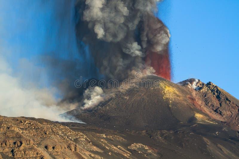 Извержение Этна вулкана стоковые фото