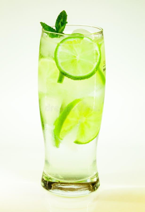 Известка и мята mojito холодного напитка лета стоковое фото rf