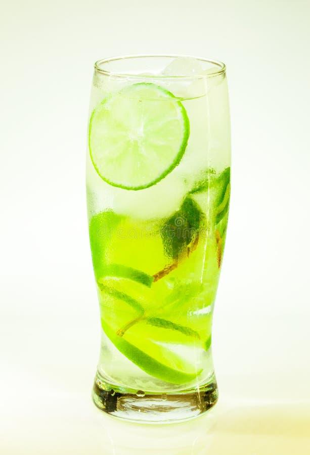Известка и мята mojito холодного напитка лета стоковые изображения rf
