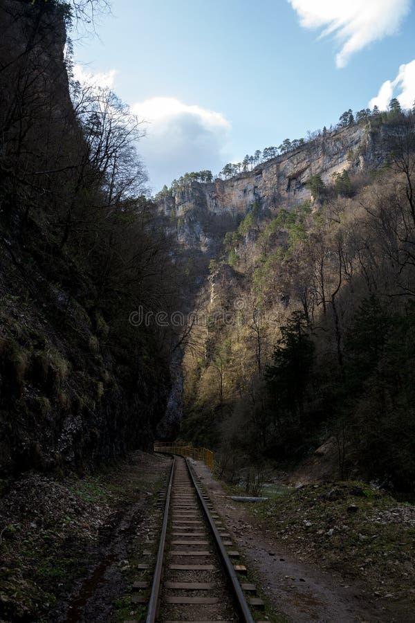Известная трасса через горы стоковое изображение