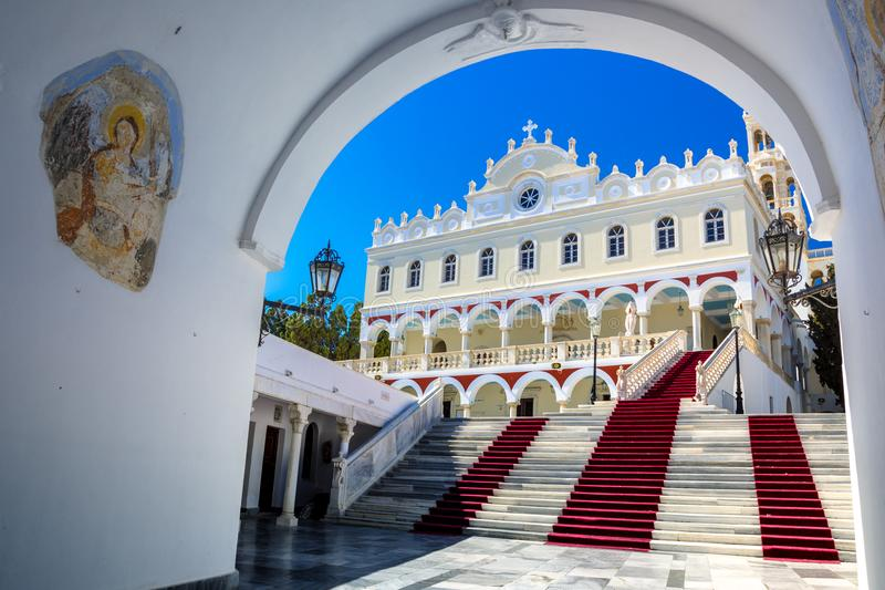 Известная церковь Panagia Megalochari Evangelistria, острова Tinos, Кикладов стоковые фотографии rf