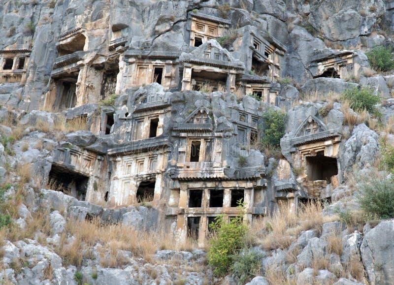 Известные вырезанные в скале усыпальницы Lycian в Myra (Demre), Турции стоковые фото