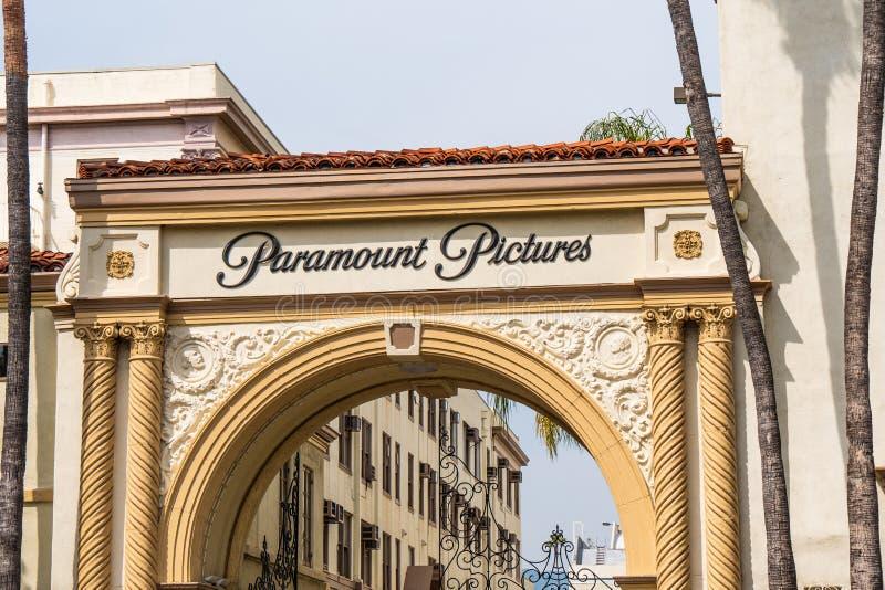 Известные киностудии Paramount Pictures на Лос-Анджелесе - КАЛИФОРНИЯ, США - 18-О стоковая фотография