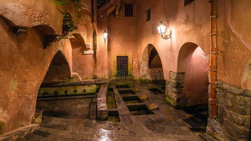 Известные общественные старые римские бани на Cefalu, Сицилии, Италии стоковое изображение
