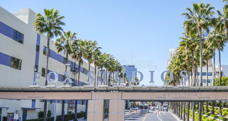 Известные студии Fox в городе Лос-Анджелесе - ЛОС-АНДЖЕЛЕСЕ - КАЛИФОРНИИ - 20-ое апреля 2017 столетия стоковая фотография