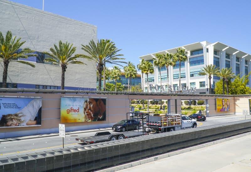 Известные студии Fox в городе Лос-Анджелесе - ЛОС-АНДЖЕЛЕСЕ - КАЛИФОРНИИ - 20-ое апреля 2017 столетия стоковое изображение