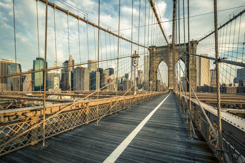 Известный Бруклинский мост в утре стоковое изображение rf