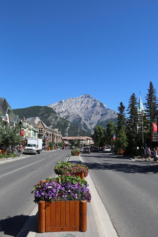 Известный бульвар Banff в национальном парке Banff стоковое фото rf