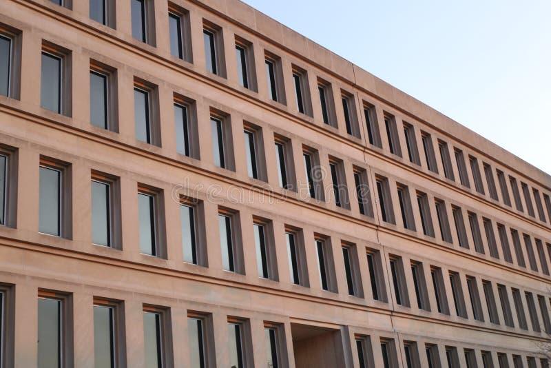 известный во всем мире геометрические здания стоковая фотография rf