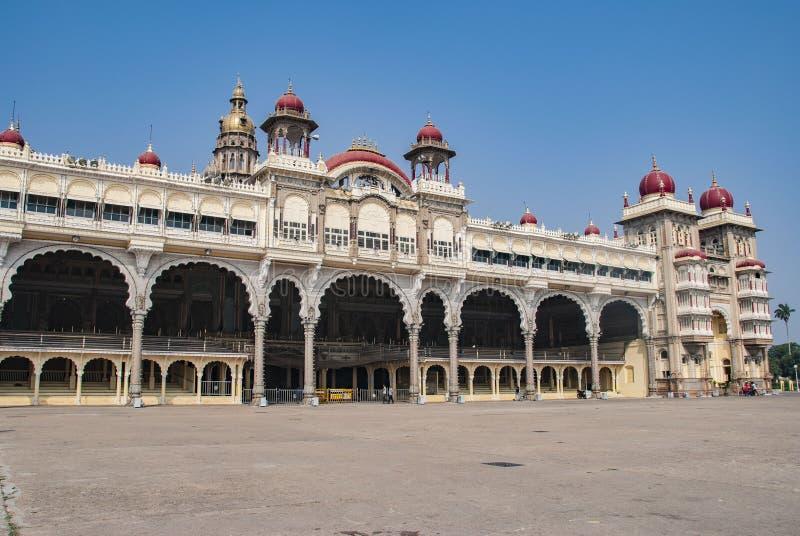 Известный дворец Майсура в Майсуре в Индии стоковое изображение