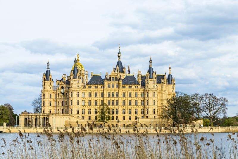 Известный замок Шверина, Германия стоковое изображение
