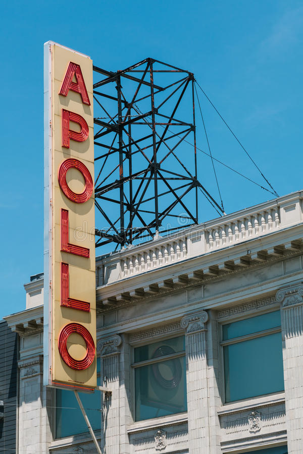 Известный знак вне театра Аполлона стоковое изображение