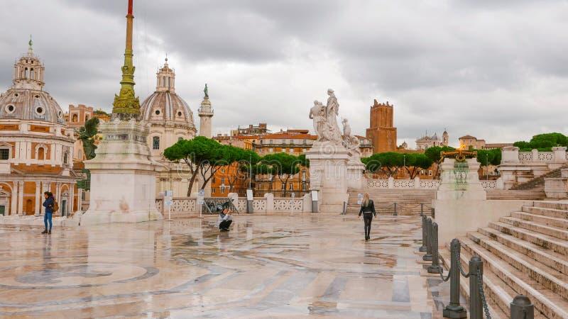 Download Известный национальный монумент в Риме - Vittorio Emanuele II Редакционное Изображение - изображение насчитывающей перемещение, италия: 81808430